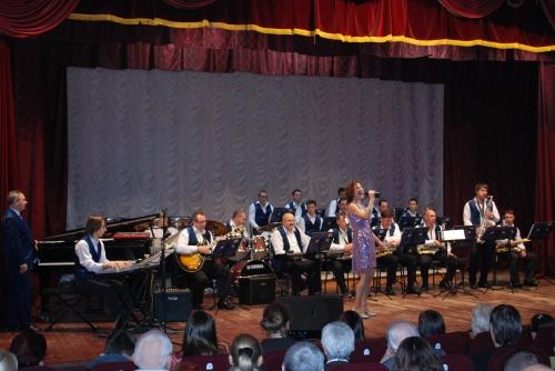 На сольном концерте с джаз-бендом п/у Ю.Паламарчука г.Днепропетровск 25.11.2011